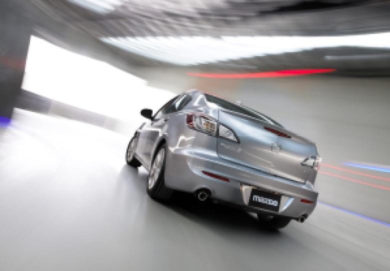 Mazda_3_Axela_01