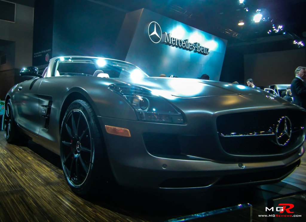 2013 Mercedes-Benz SLS AMG Roadster S 01