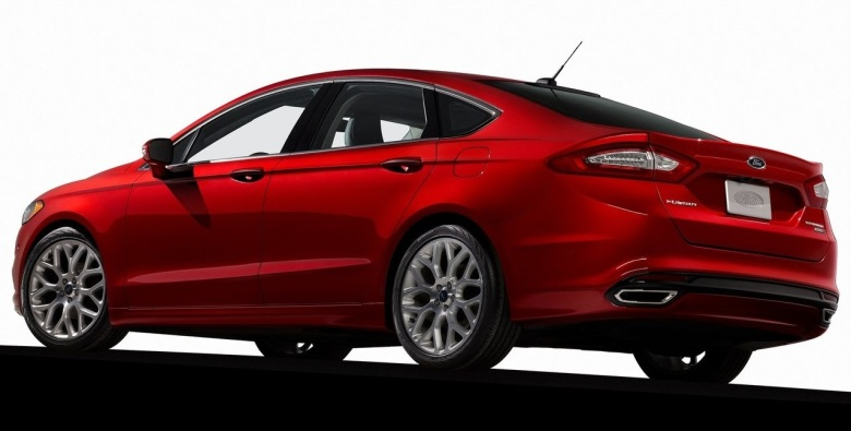 2013 Ford Fusion red back