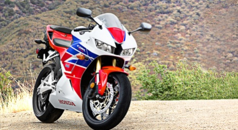 2013-Honda-CBR600RR-HRC-02
