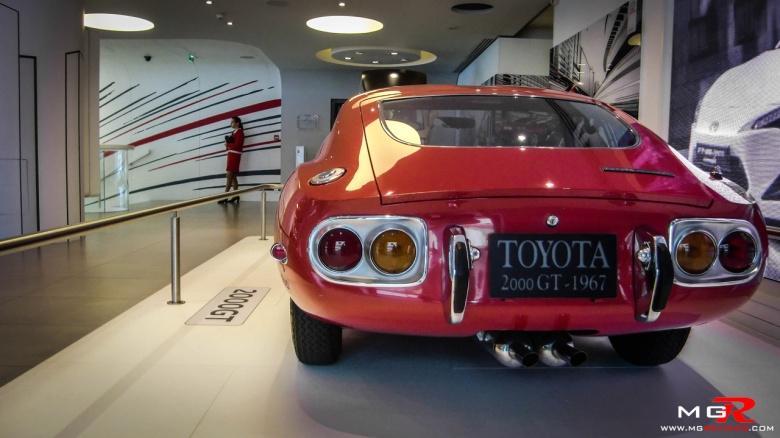 Toyota 2000GT 03