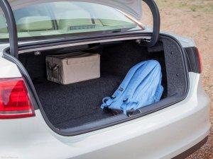 2014 Volkswagen Jetta Hybrid trunk