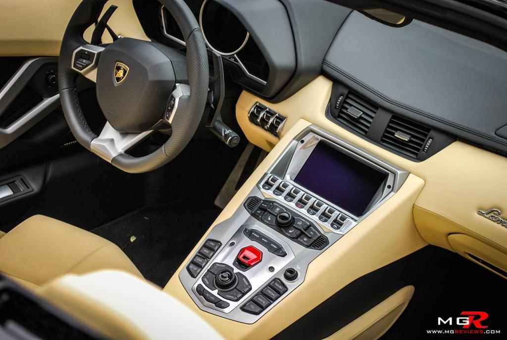 Lamborghini Aventador Roadster 03