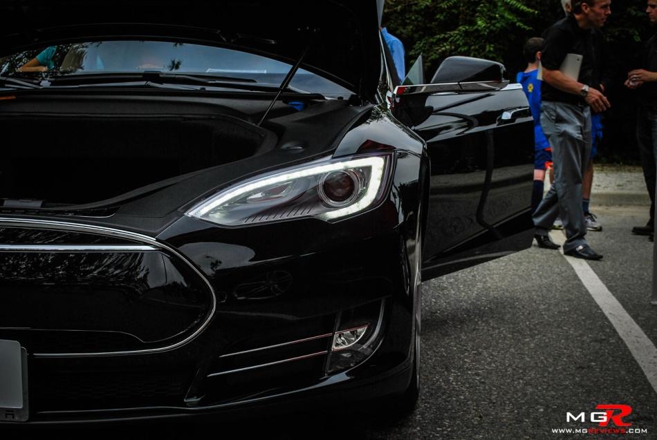 Tesla Model S 04