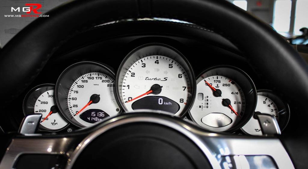 Porsche 911 Turbo S Cabriolet 02
