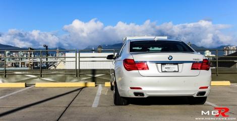 BMW 750i-12