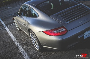 Porsche 911 Carrera-6