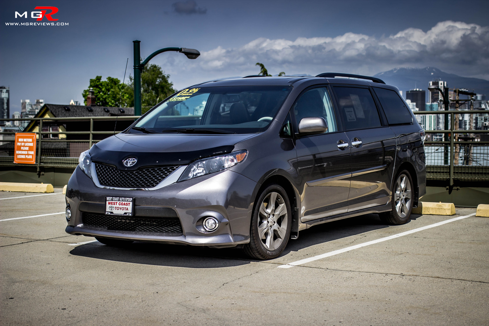 Review: 2014 Toyota Sienna – M.G.Reviews