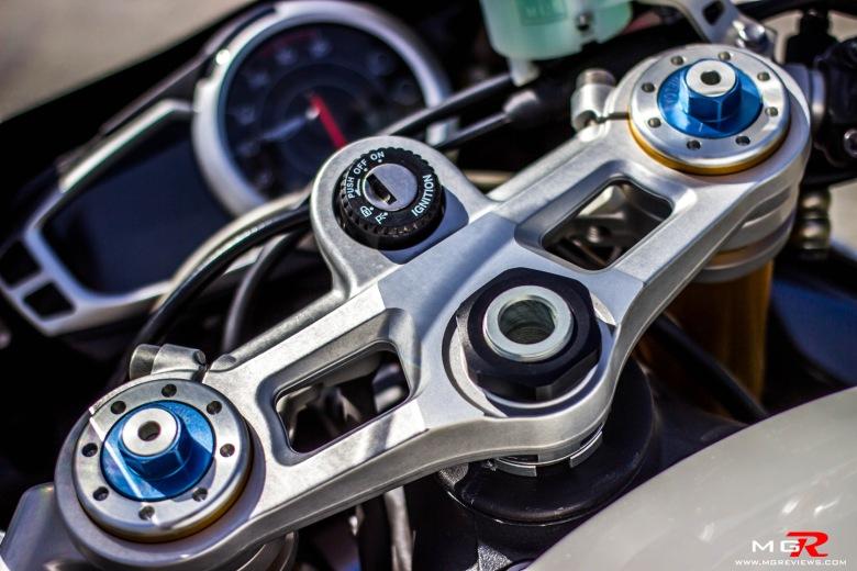 Triumph Daytona 675R-12