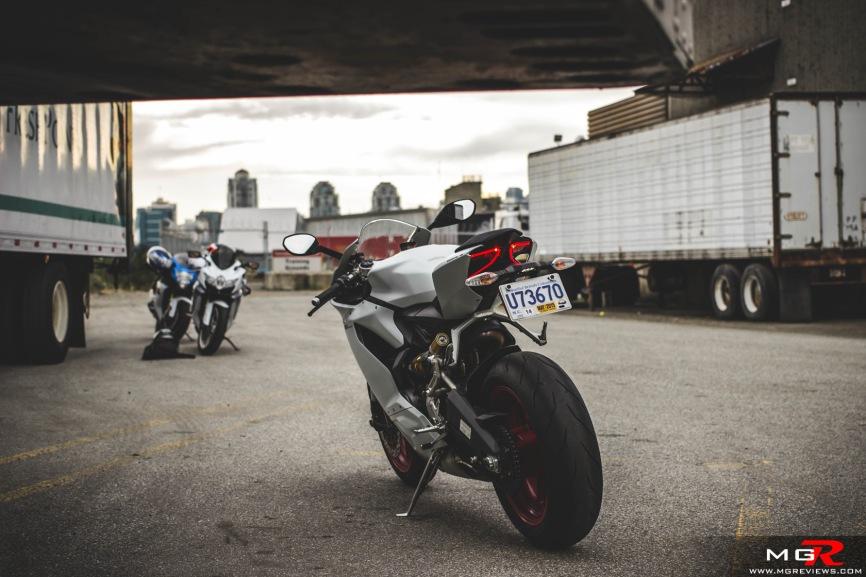 2014 Ducati 899 Panigale White-14