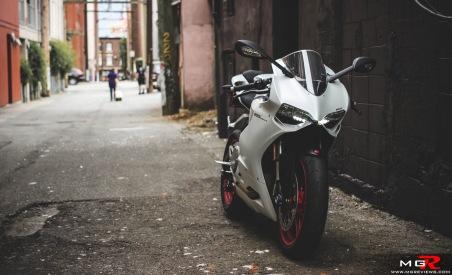 2014 Ducati 899 Panigale White-17