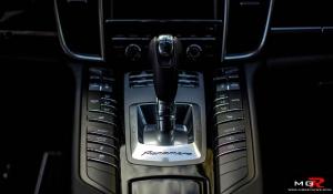 2013 Porsche Panamera 4-10