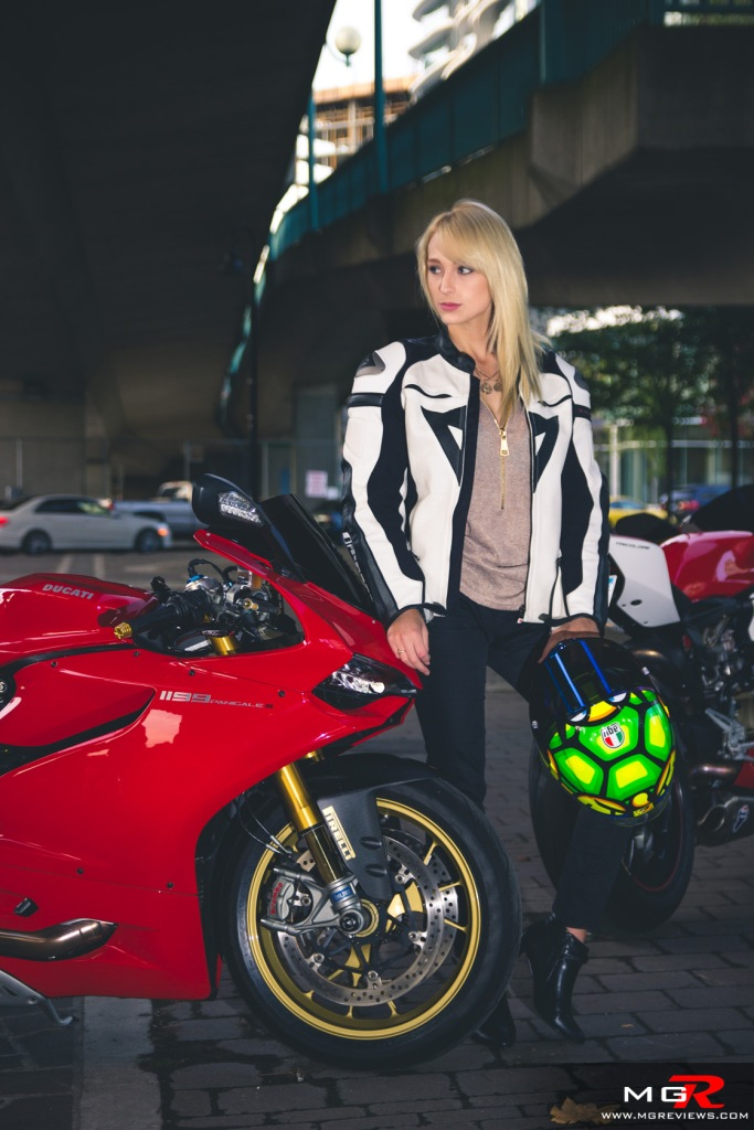 girls-x-ducatis-14