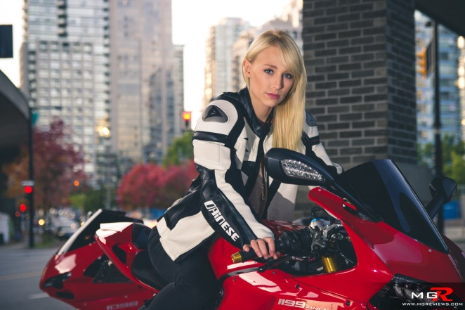 girls-x-ducatis-18