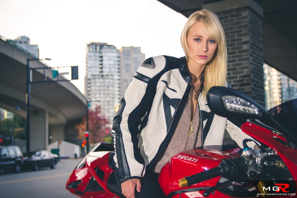 girls-x-ducatis-19