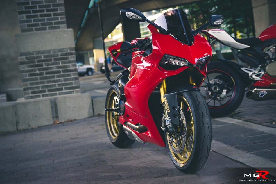 girls-x-ducatis-2