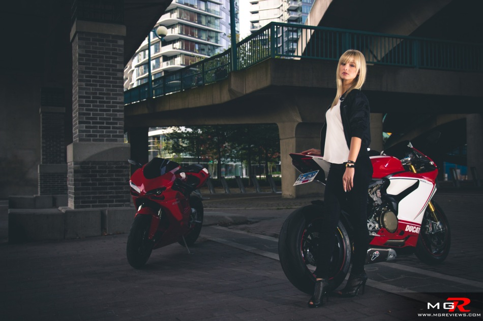 girls-x-ducatis-24
