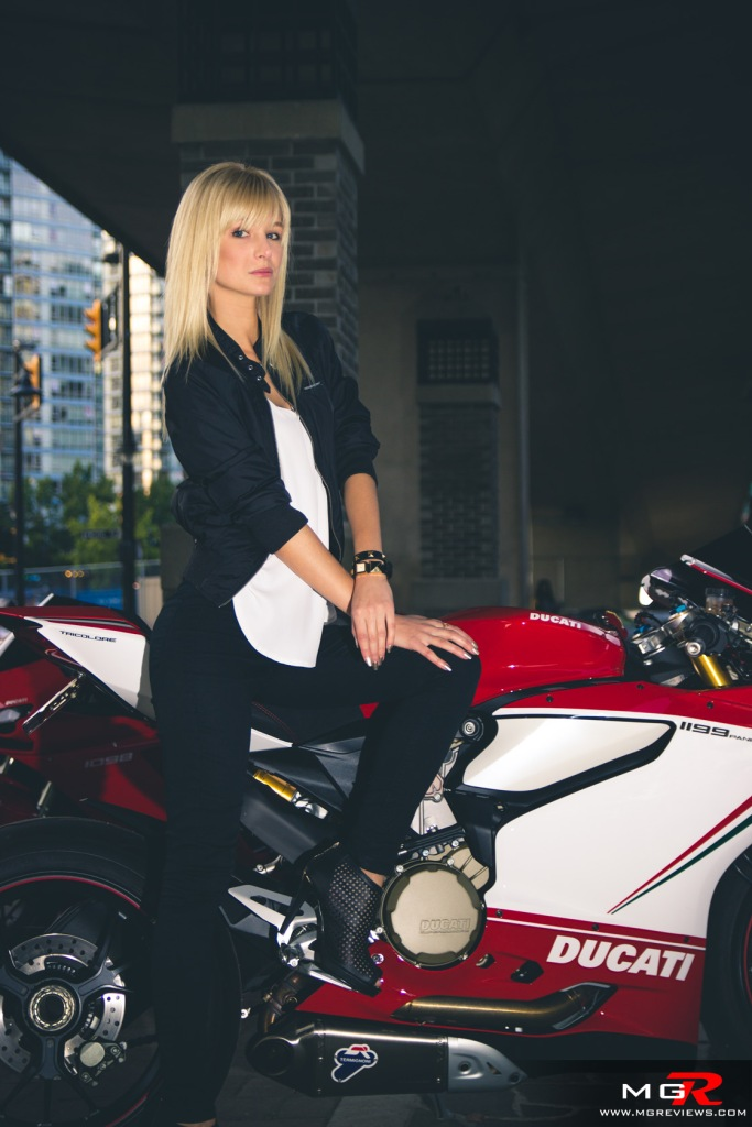 girls-x-ducatis-26