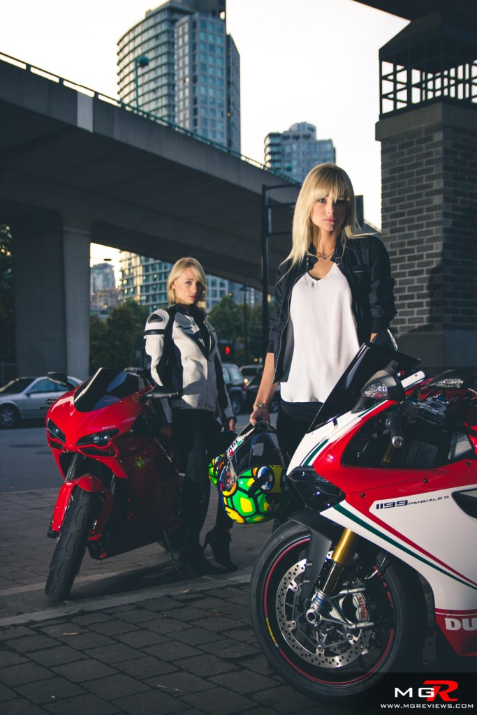 girls-x-ducatis-34