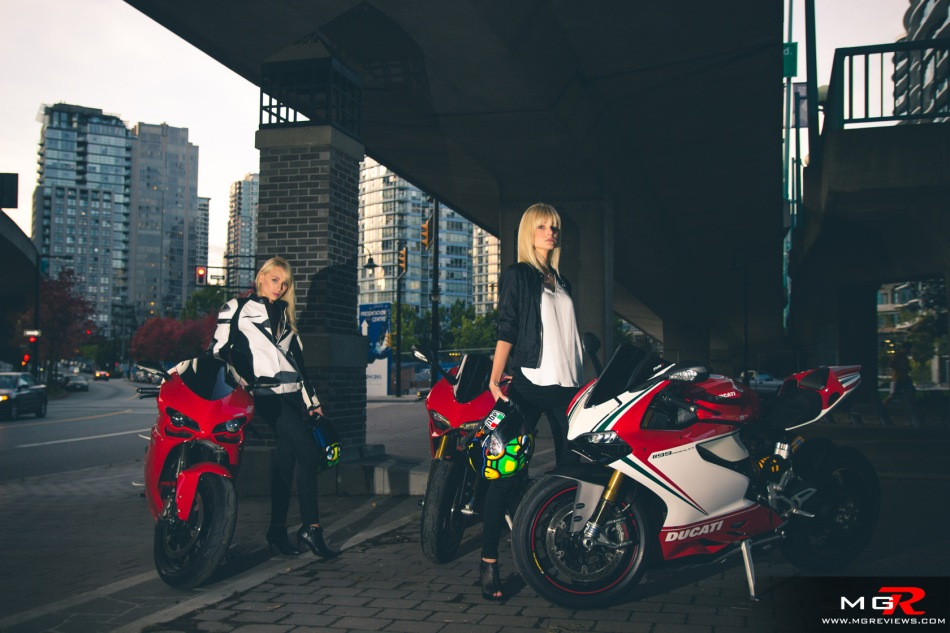 girls-x-ducatis-35