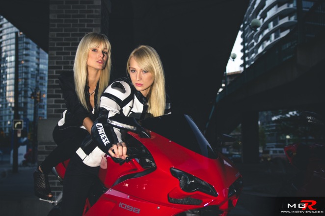 girls-x-ducatis-40