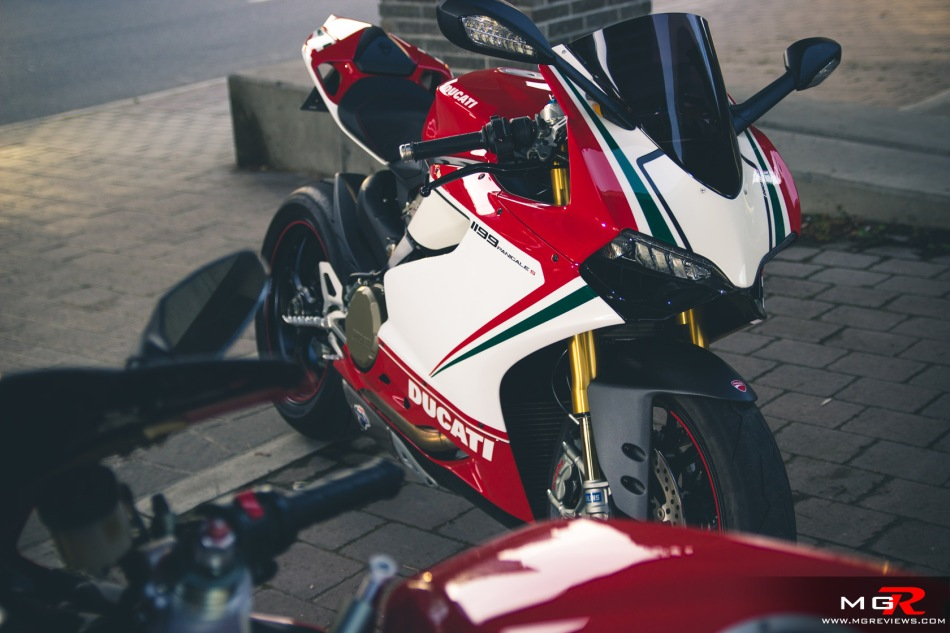 girls-x-ducatis-5