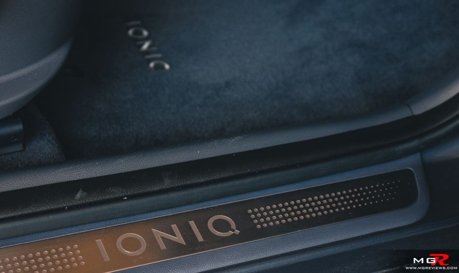 2018 Hyundai Ioniq Electric Plus-18