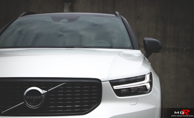 2019 Volvo XC40 R-Design Full-2