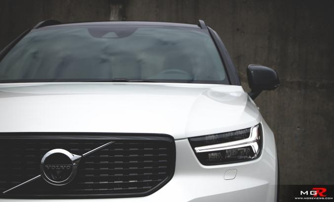 2019 Volvo XC40 R-Design Full-2