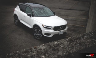 2019 Volvo XC40 R-Design Full-21