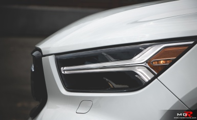 2019 Volvo XC40 R-Design Full-3