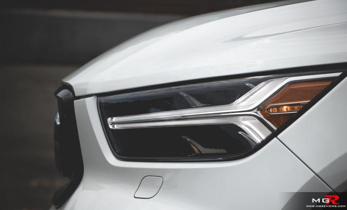 2019 Volvo XC40 R-Design Full-3