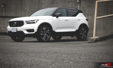 2019 Volvo XC40 R-Design Full-4
