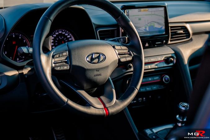 2019 Hyundai Veloster Turbo-15