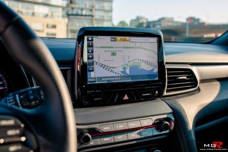 2019 Hyundai Veloster Turbo-18