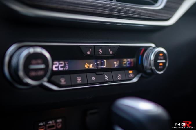 2019 Nissan Altima Platinum interior