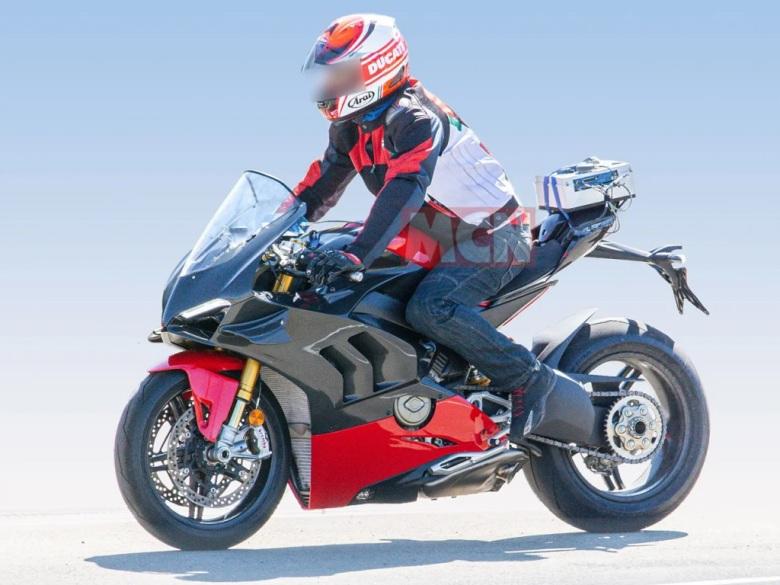 Ducati V4 Superleggera Spy Shot